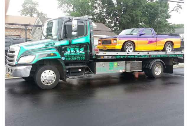 Vehicle Towing, Truck & Accident Recovery Service in